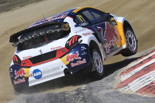 Sébastien Loeb et la PEUGEOT 208 WRX décrochent une belle deuxième place à Montalegre 38248358fbb3fa1d3ae