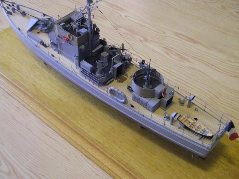 Chasseur de sous-marin CH 123 au 1/100e sur plan 3845431001718