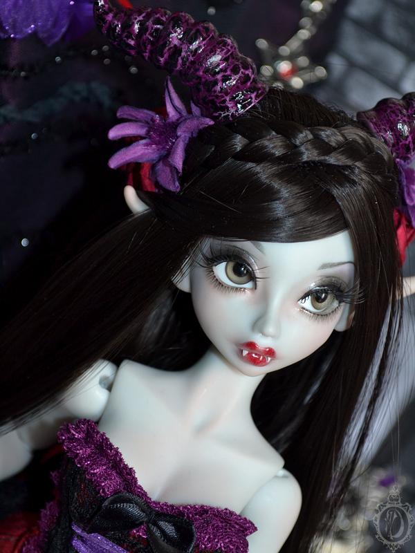 [Créa] † Mystic Dolls † : Réservations ouvertes ! 396273ArielleVampire05
