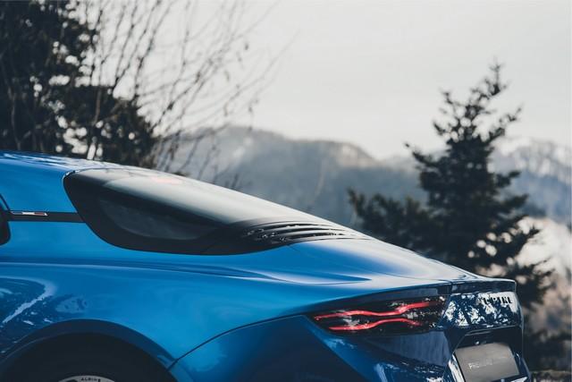 Alpine est de retour - A110, la voiture de sport française agile et compacte 3985948831316