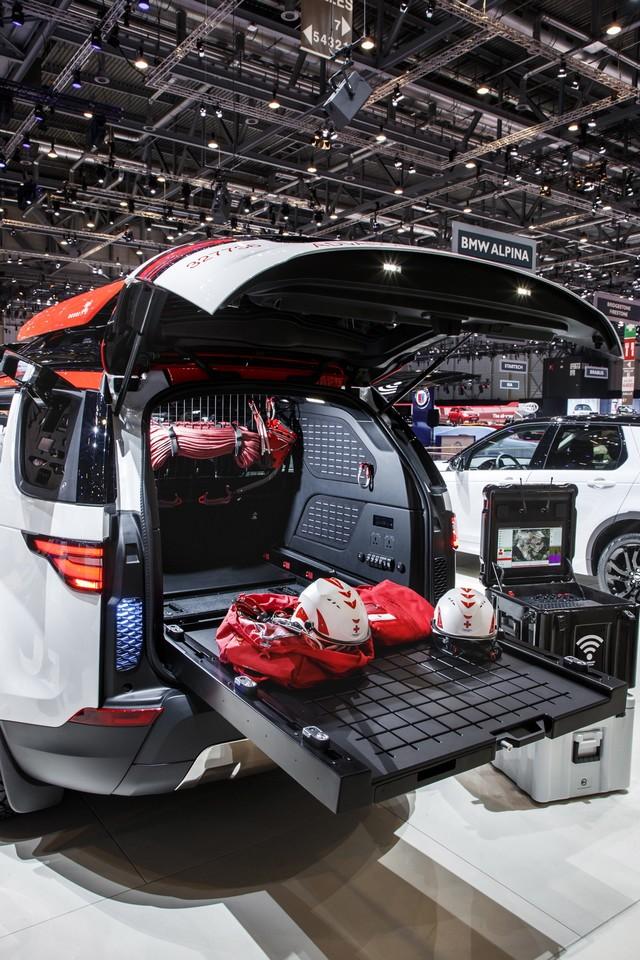 Project Hero, une version unique du nouveau Land Rover Discovery pour la Croix Rouge autrichienne  399673lrnewdiscoveryprojecthero07021717