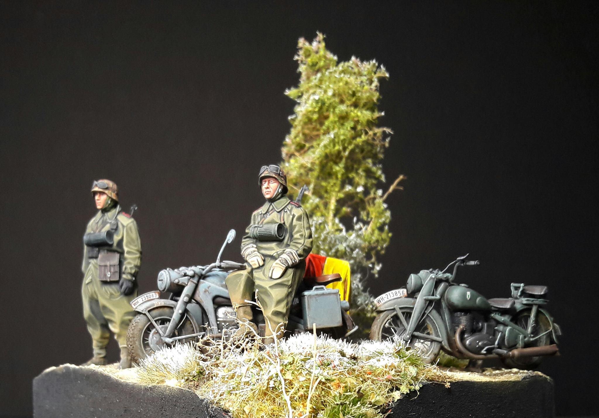 Zündapp KS750 - Sidecar - Great Wall Hobby + figurines Alpine - 1/35 - Page 5 40805220132672102118058495962251174266347o