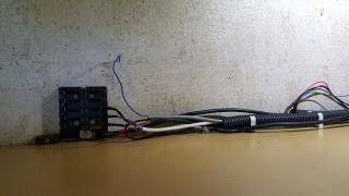Un bahut, 2 batteries, 2 coupe circuit, 1 Coupleur-Séparateur. 40815920170805093500