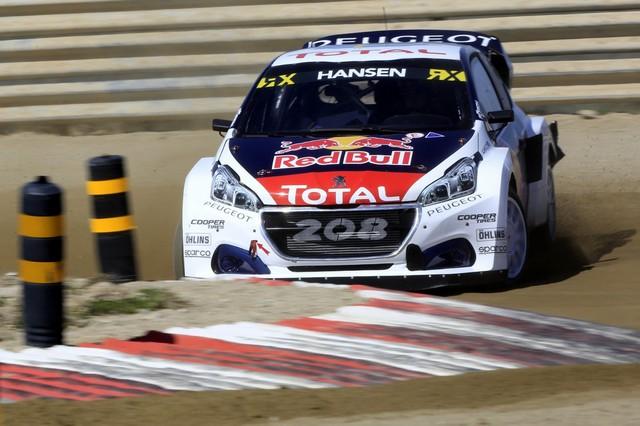 Sébastien Loeb et la PEUGEOT 208 WRX décrochent une belle deuxième place à Montalegre 40896858fbb464369df