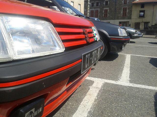 [AutoRétro-63]  205 GTI 1L9 - 1900cc rouge vallelunga - 1990 - Page 7 42088610142555696367964141881878300290n
