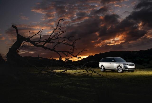 Le Nouveau Range Rover intègre dans sa gamme une motorisation essence hybride rechargeable 421195rr18myphevlwbstatic10101702