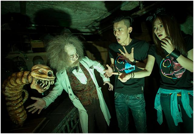 [Hong Kong Disneyland] Disney's Haunted Halloween (depuis 2007) - Page 3 422578hal9
