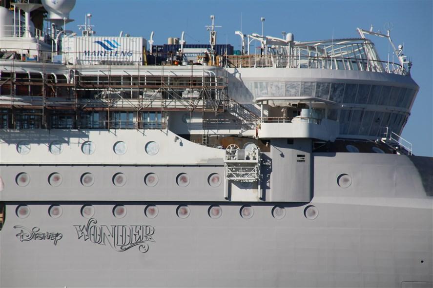 Disney Magic & Disney Wonder - Transformations [Disney Cruise Line - 2013 et 2016] - Page 3 423377DisneyWonderCadiz5