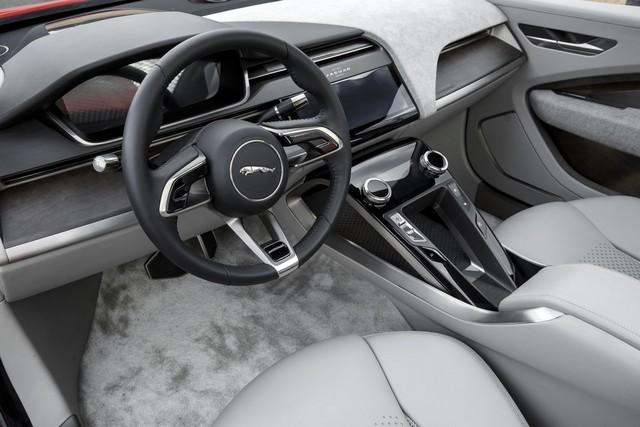 Le concept électrique Jaguar I-Pace dans les rues de Londres  424018ipacelondon066