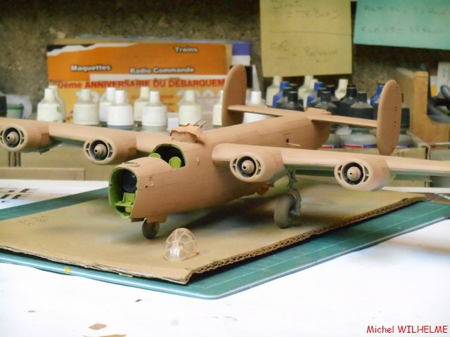 B24.D LIBERATOR kit 1/72 Revell 425650DSCN8497Copier