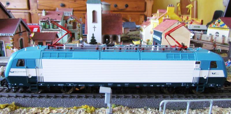 Une belle italienne en 3 rails chez Roco 427999IMG5769