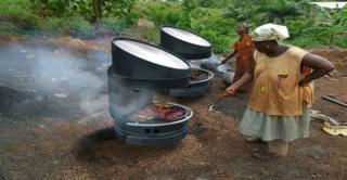 Un barbecue solaire ingénieux 432685four