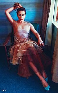 Emilia Clarke avatars 200x320 pixels - Page 4 434104Vavabazz01