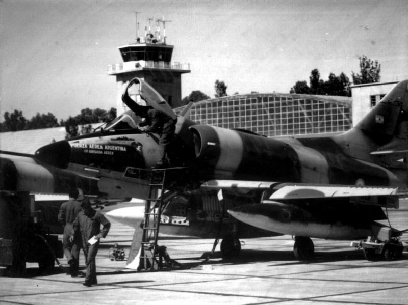 DOUGLAS A-4 SKYHAWK [NOUVELLE VERSION] 434357DouglasA4CSkyhawkFAA