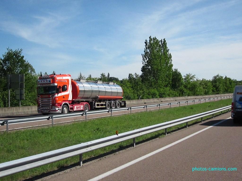 TVT (Transport Van Tricht) (Asse)(groupe Mervielde) - Page 2 437247photoscamions14Mai201236Copier