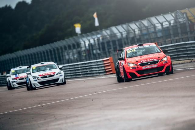 La Peugeot 308 Racing Cup Se Joue Des Conditions ! 4375005957d61e1773f