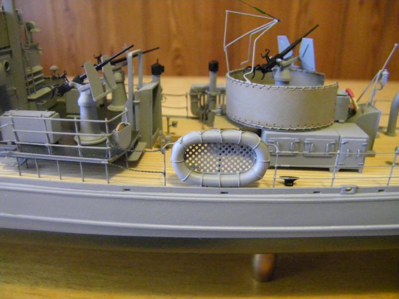Chasseur de sous-marin CH 123 au 1/100e sur plan 4376591001759