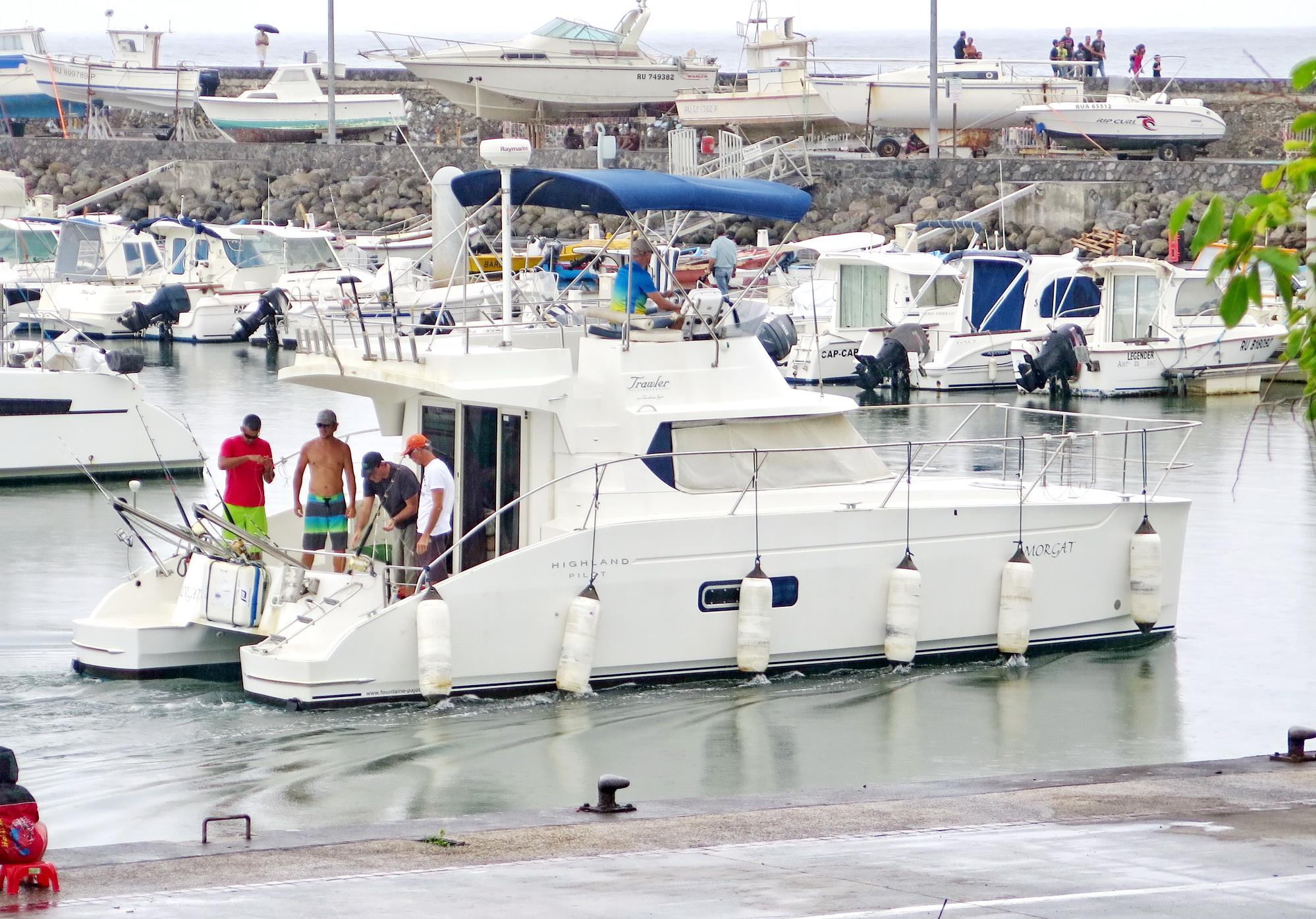[Vie des ports] Les ports de la Réunion - Page 2 437960saintpierre016