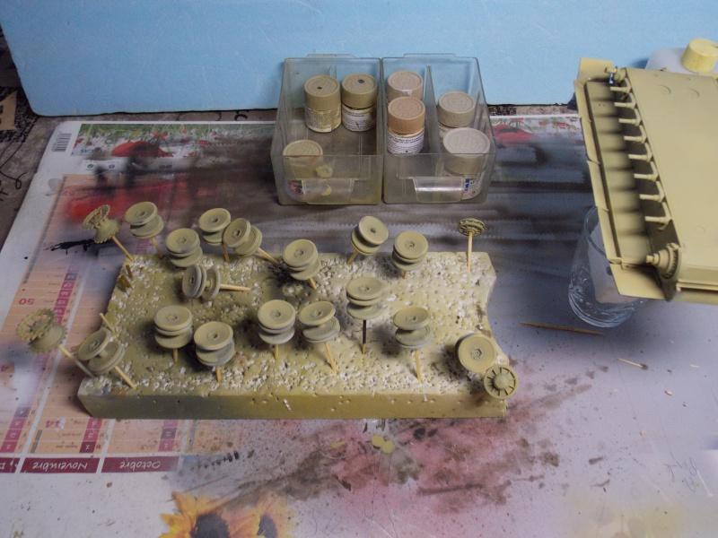 TIGRE S33  avant la bataille de Koursk juillet 43 (Dragon 1/35 dio DIODUMP) - Page 4 438036DSCN4638