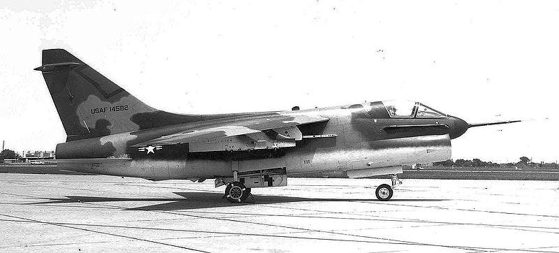MCDONNELL-DOUGLAS F/A-18 HORNET  446193A_7D_USAF
