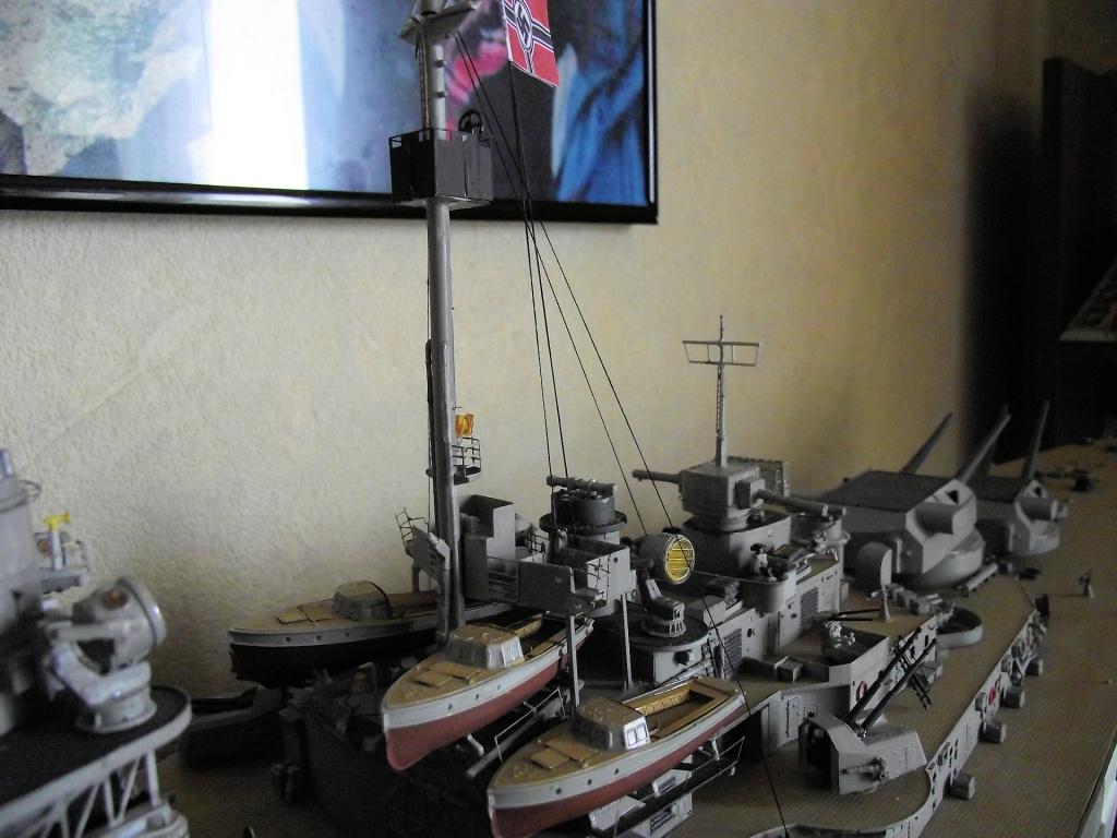 Bismarck Trumpeter 1x200 avec PE et figurines Eduard 459759Bismarck1x200120