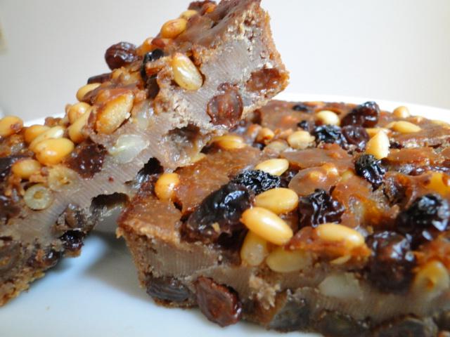 Le Castagnaccio, le gâteau de farine de châtaigne simplissime 460442EatingCastagnaccio