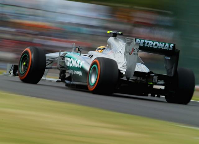 F1 GP du Japon 2013 : (essais libres-1-2-3-Qualifications) 4638272013GPdujaponLewisHamilton