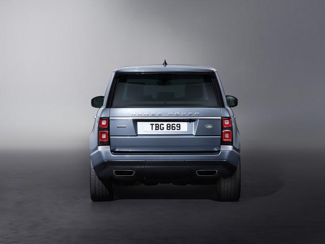 Le Nouveau Range Rover intègre dans sa gamme une motorisation essence hybride rechargeable 465627rr18mystatic10101706