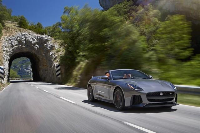 Nouvelle Jaguar F-TYPE SVR : La Supercar Capable D'atteindre 322 km/h Par Tous Les Temps 465858JAGUARFTYPESVR22CONVERTIBLELocationLowRes