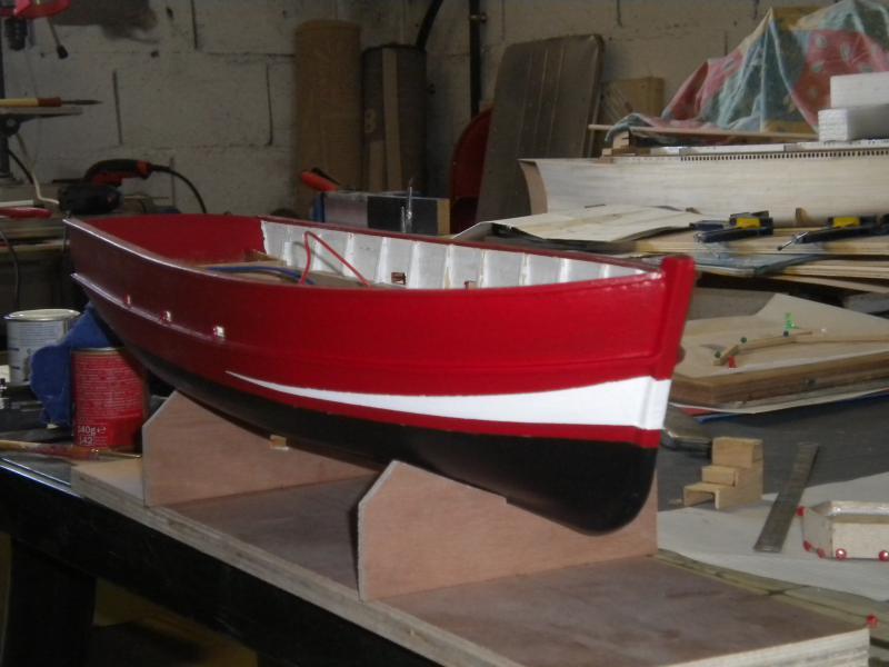 barque chalutiére au 1/20è d'après plans - Page 6 468988DSCN2370