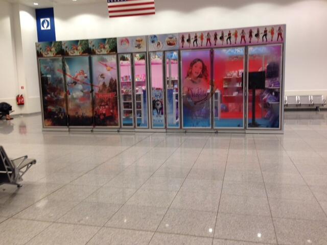 [Boutique Disney Store] Brussels Airport  470600dba
