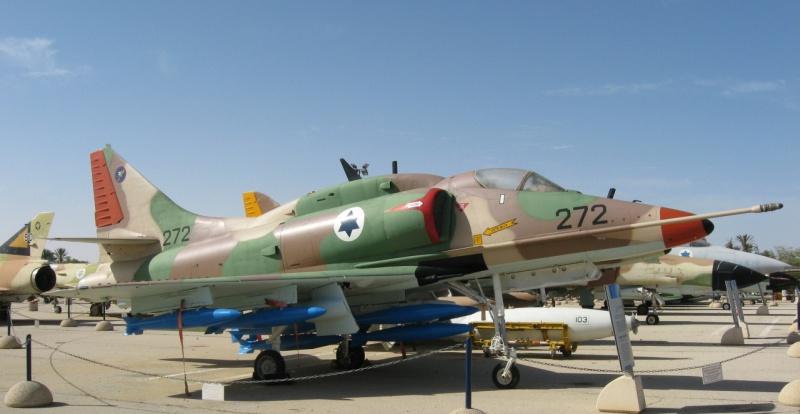 DOUGLAS A-4 SKYHAWK [NOUVELLE VERSION] 471438DouglasA4HSkyhawk5
