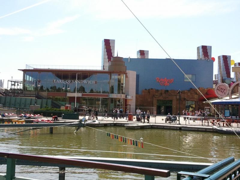 [Disney Village] Construction d'un restaurant Earl of Sandwich - Page 24 47264920110528163305