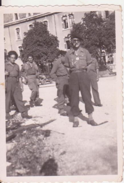 Recherches d'informations sur Bernard SENUT engagé au 1 er Bataillon De Choc 474740CapitaineCARBONNIER