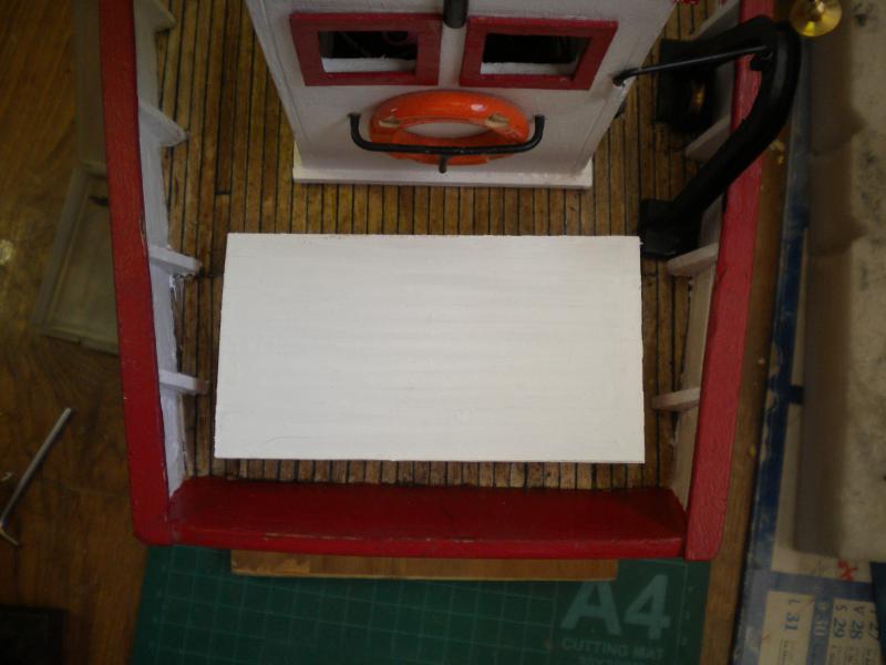 barque chalutiére au 1/20è d'après plans - Page 10 475739DSCN2685