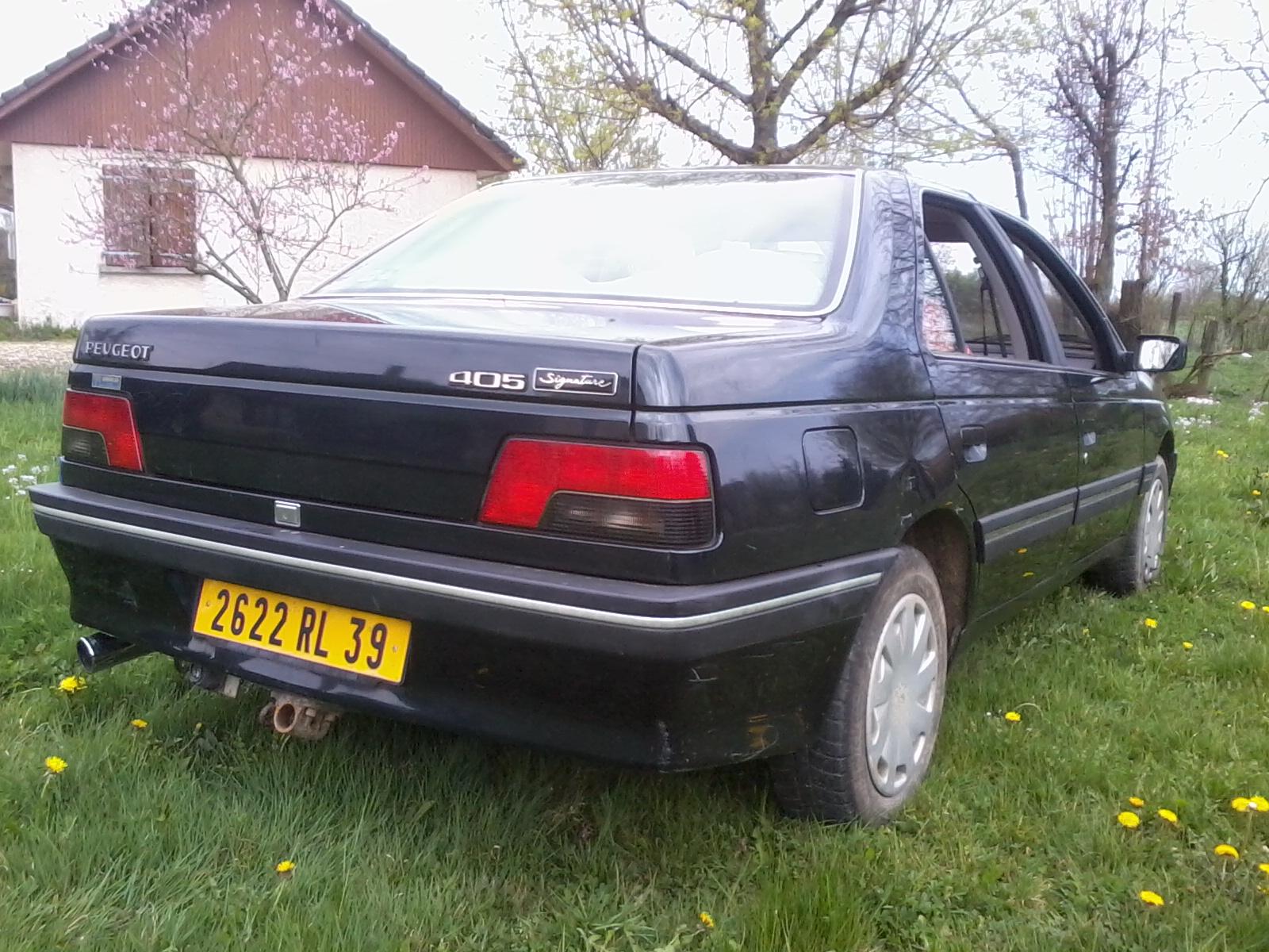 Présentation de ma nouvelle voiture, une Peugeot 405 Signature. 480622Photo0678