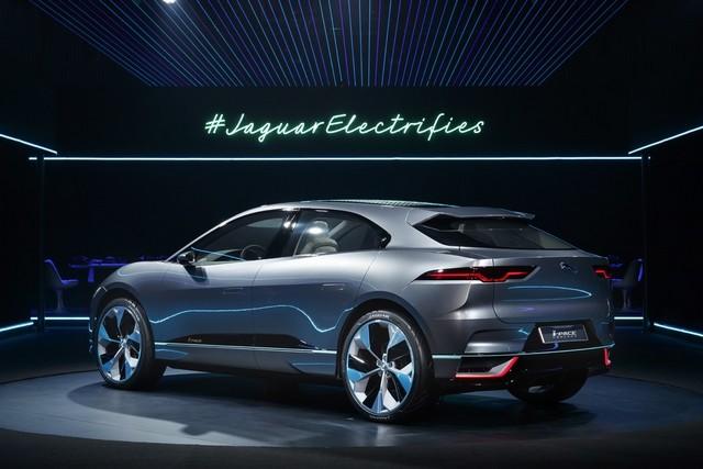 Jaguar Dévoile Le Concept I-PACE : Le SUV Électrique Performant 483041jagipacevrevent141116016