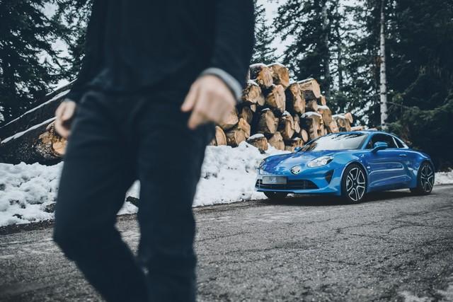 Alpine est de retour - A110, la voiture de sport française agile et compacte 4857688830716