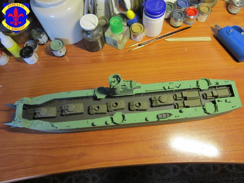 U.S. Navy Landing Ship Médium (Early) au 1/144 de Revell par Pascal 94 - Page 6 486695IMG42211