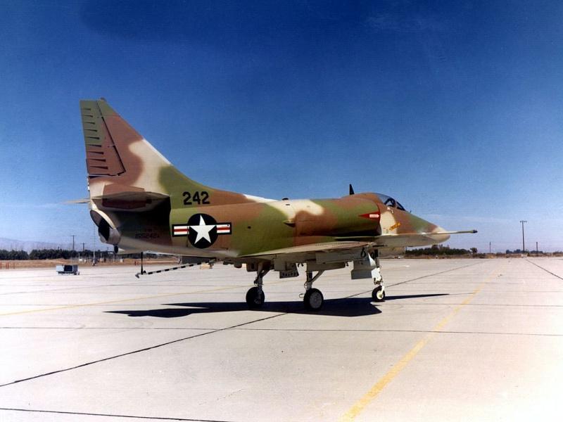 DOUGLAS A-4 SKYHAWK [NOUVELLE VERSION] 487334DouglasA4HSkyhawk4