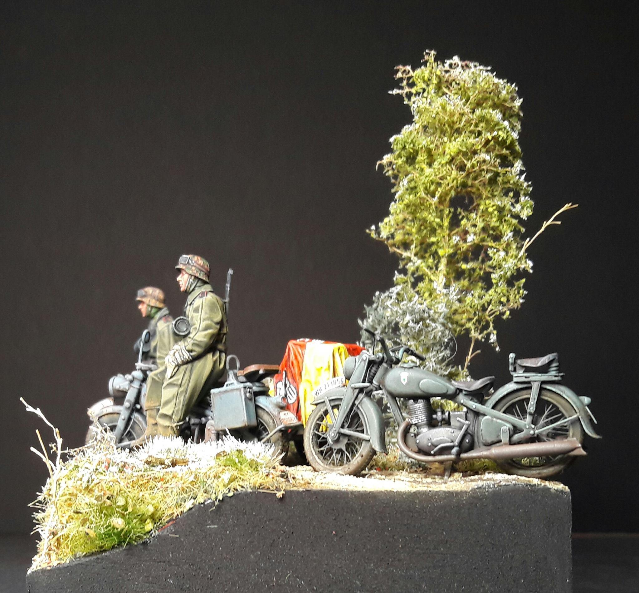 Zündapp KS750 - Sidecar - Great Wall Hobby + figurines Alpine - 1/35 - Page 5 48826320107667102118058500362361286940148o