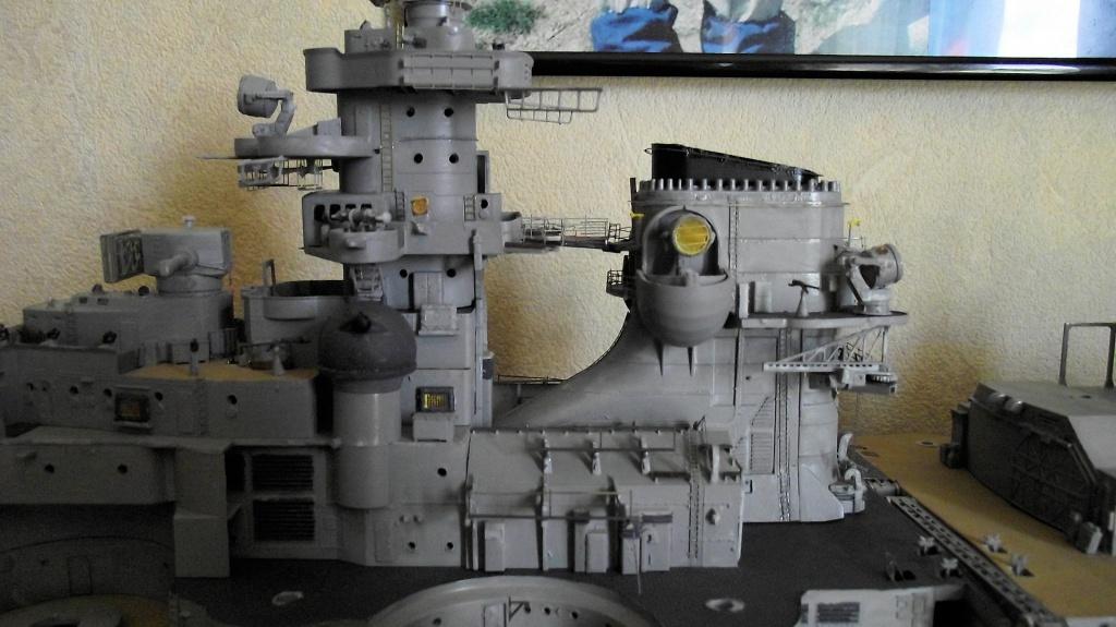 Bismarck Trumpeter 1x200 avec PE et figurines Eduard 489169Bismarck1x20089