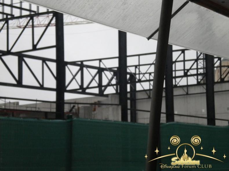 Construction du Dark Ride Ratatouille pour 2014 - Page 40 490432DSCN9974border