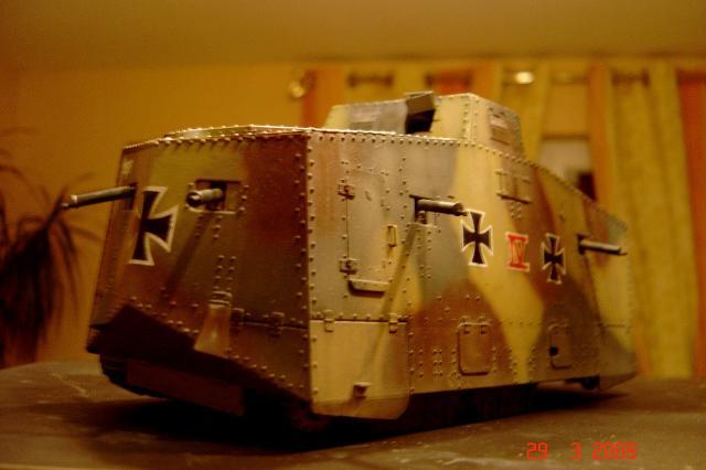 A7V [TAURO MODEL 1/35e] Le premier Panzer - Page 2 490708mars_2008_A7V_012m