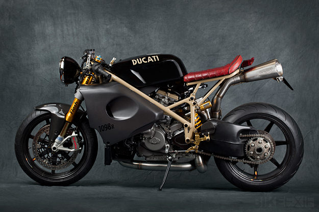 Racer, Oldies, naked ... - Page 40 491125ducati1098r1