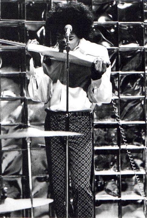 Londres (Top Of The Pops, BBC TV) : 29 décembre 1966 491470jimitop67