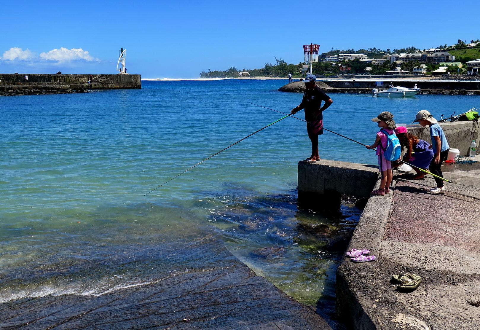 [Vie des ports] Les ports de la Réunion 493079marchsaintpaulstgilles145