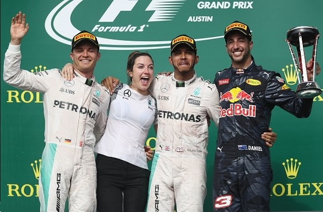 F1 GP des États-Unis 2016 : Victoire Lewis Hamilton  4933872016RosbergHamiltonRicciardo