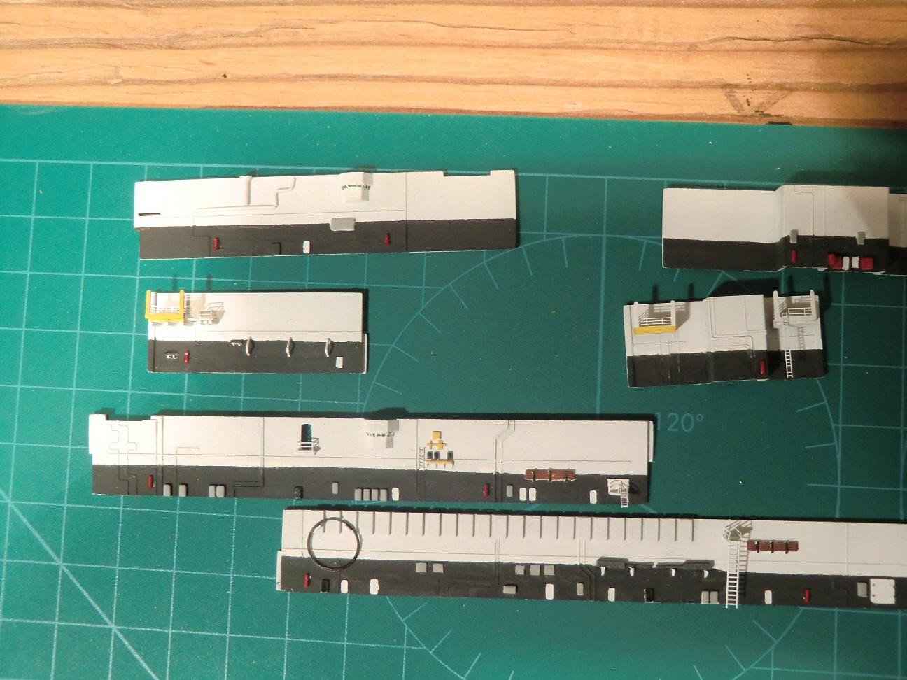 CVN 68 USS Nimitz Trumpeter 1/700  - Page 5 494059Nimitz46