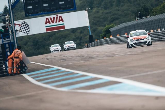 La Peugeot 308 Racing Cup Se Joue Des Conditions ! 4956415957d6c1d2b62